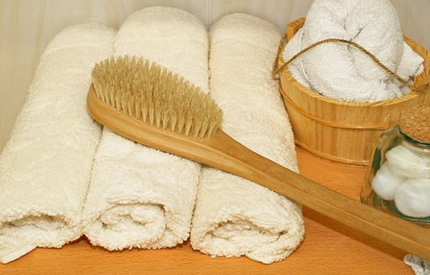 Dry brushing prevents cellulite and stretch mark scars