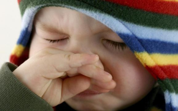 Itchy nose causes, superstition, remedies