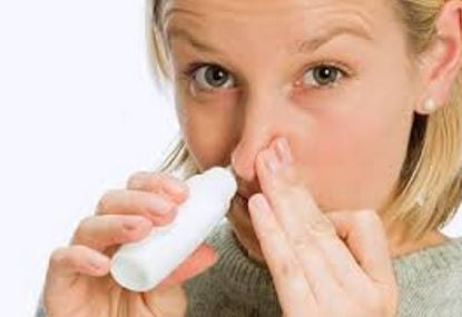 Nasal sprays can help relieve an itchy nose